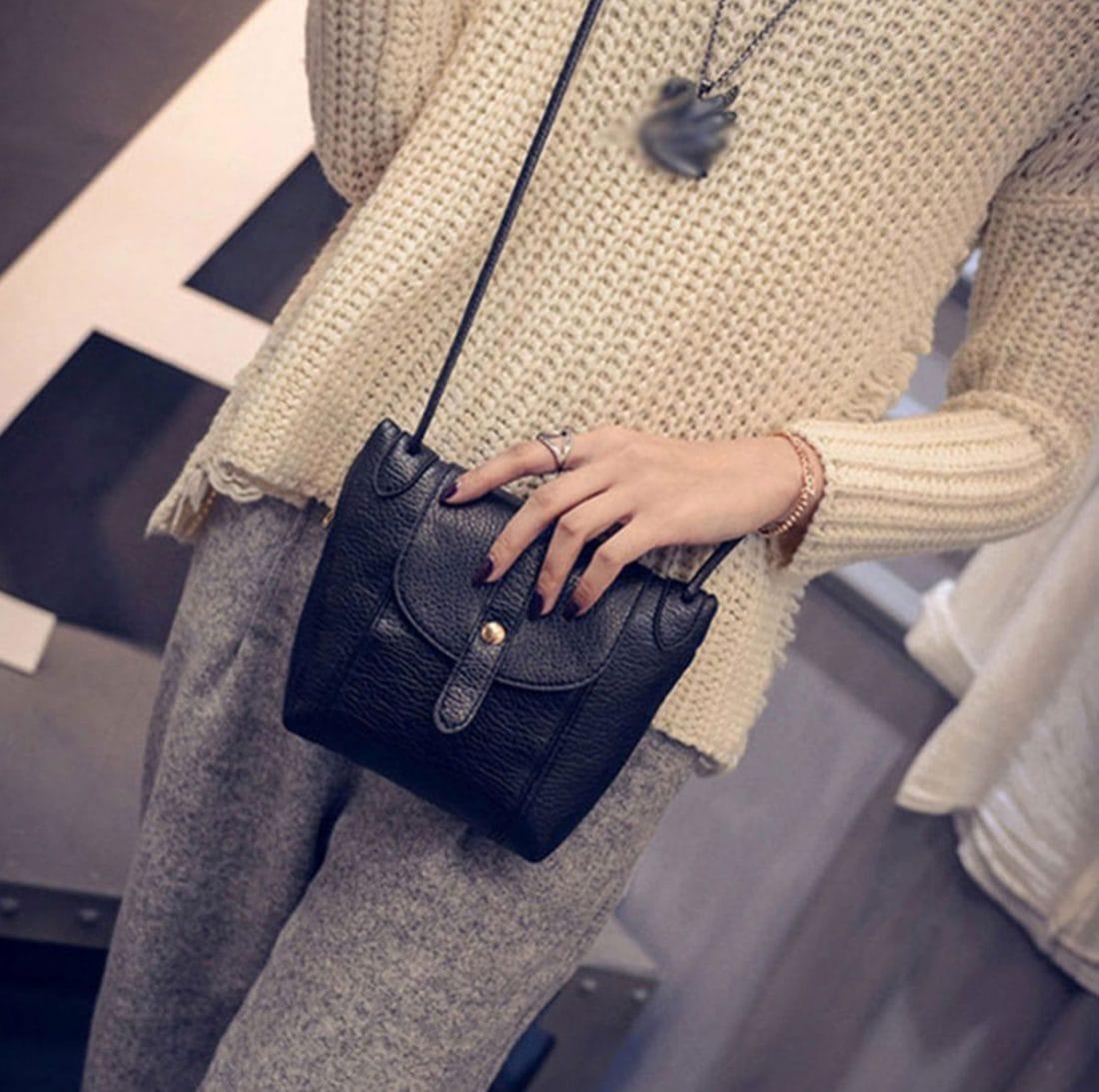 M0192 black1 Clutches Purses Wallets maureens.com boutique